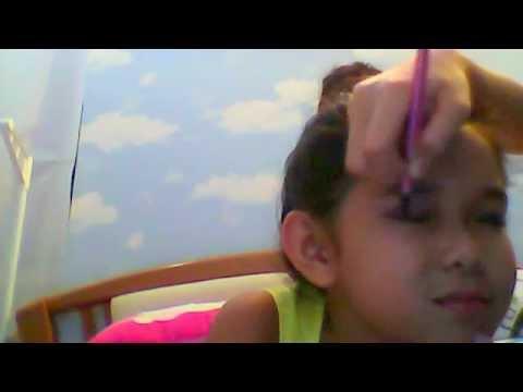 use kid makeup thing to make up (CUTE) by Jovenna