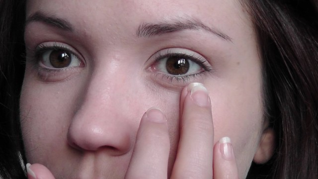 Make-up For Beginners – Covering Under Eye Circle Step 5