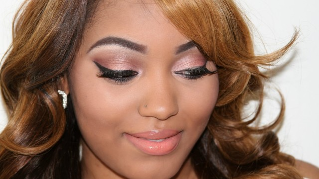 Flirty Valentine's Day Makeup (Complete Look)