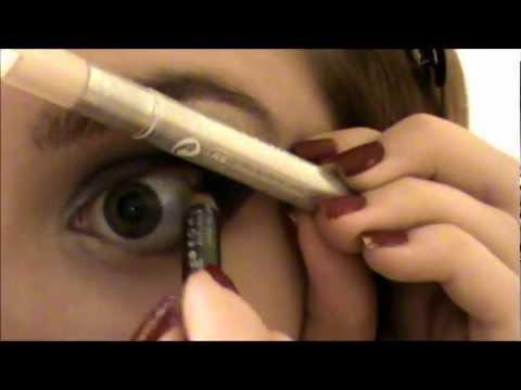 Dramatic purple smoky eye tutorial