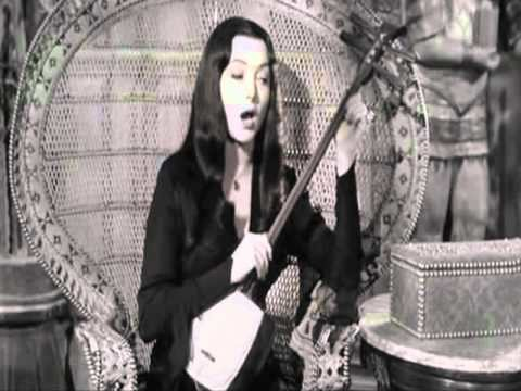 Morticia Addams-Carolyn jones Sings us!